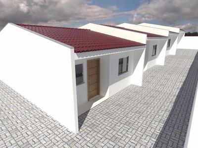 Casa Em Frente A Escola E Posto De Saúde, Próximo Ao Centro