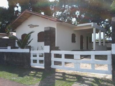 Casa Térrea Em 3 (três) Lotes À 550 M Do Mar Em Peruíbe!