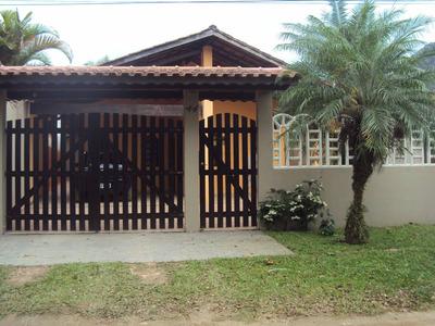 Casa Térrea, 3 Suites, 5 Vagas De Carro E 400 Mts Praia