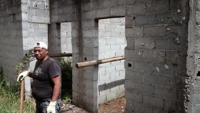 Vendo Casa Em Construção - Condominio Fechado