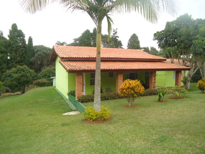 Linda Chácara 1.700 M Casa, Ótima Localização 1,5 Km Centro!