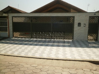 Casa Residencial Em Condomínio À Venda, Balneário Maracanã, Praia Grande.