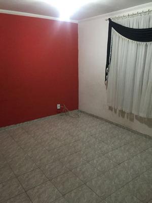 Apartamento Com 02 Dormitórios Na Cidade Tiradentes.