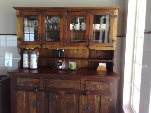 armário maciço feito em  madeira de demolição