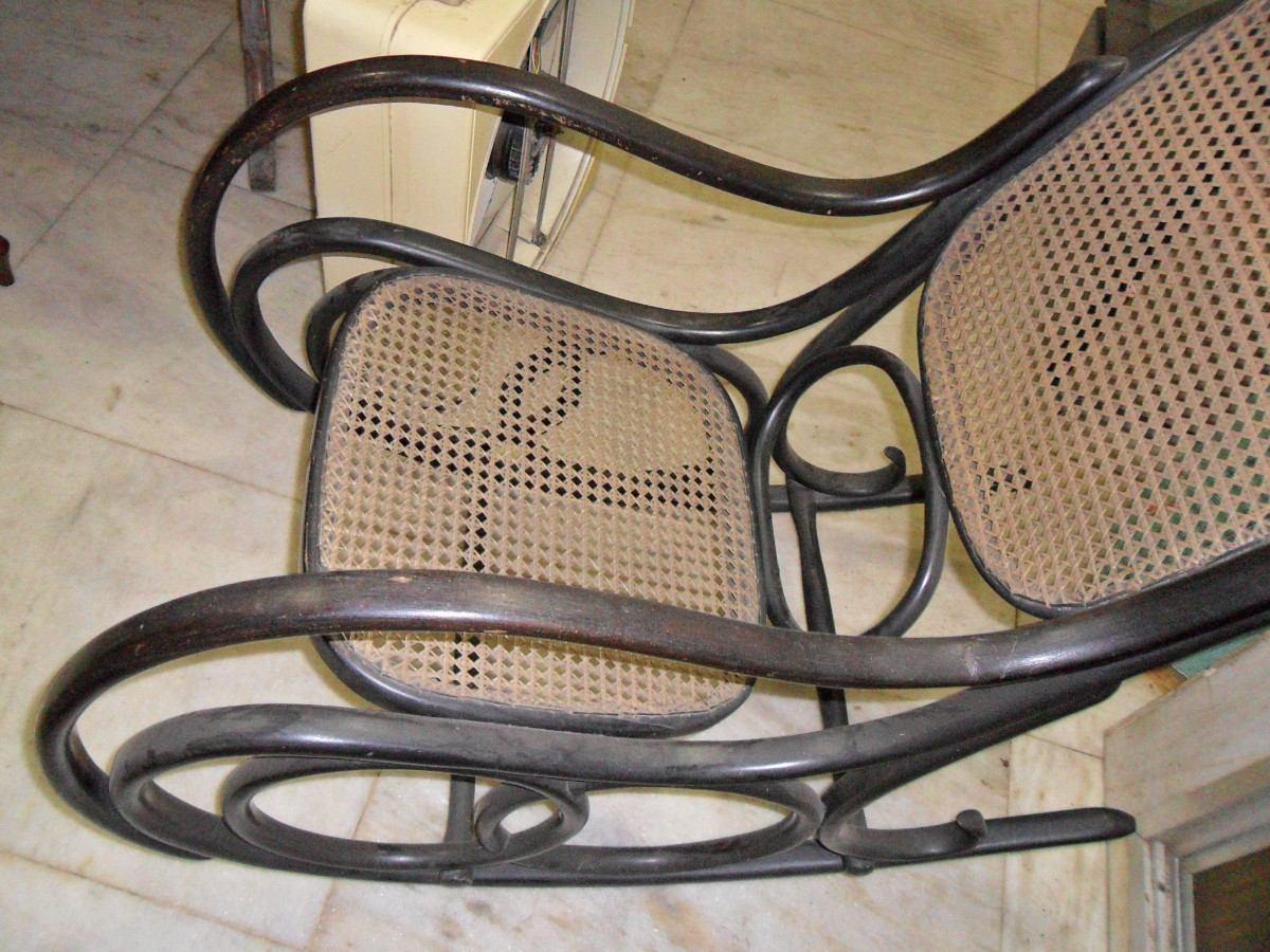 Cadeira De Balanço Austríaca R$ 2.500 00 em Mercado Livre #7F664C 1200x900