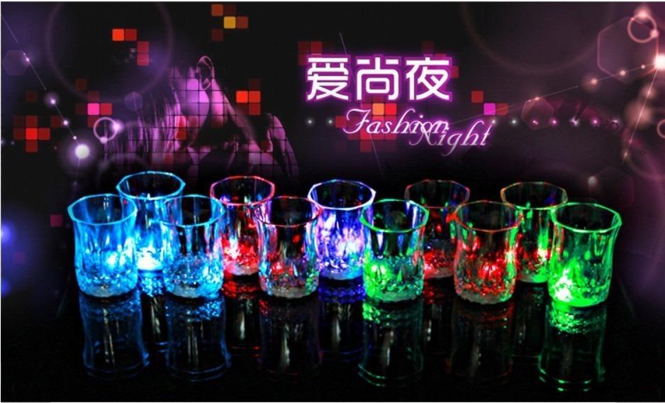 Copos Led Iluminado Whisky Bebidas Festa Formatura Niver - R$ 6,99 em ...