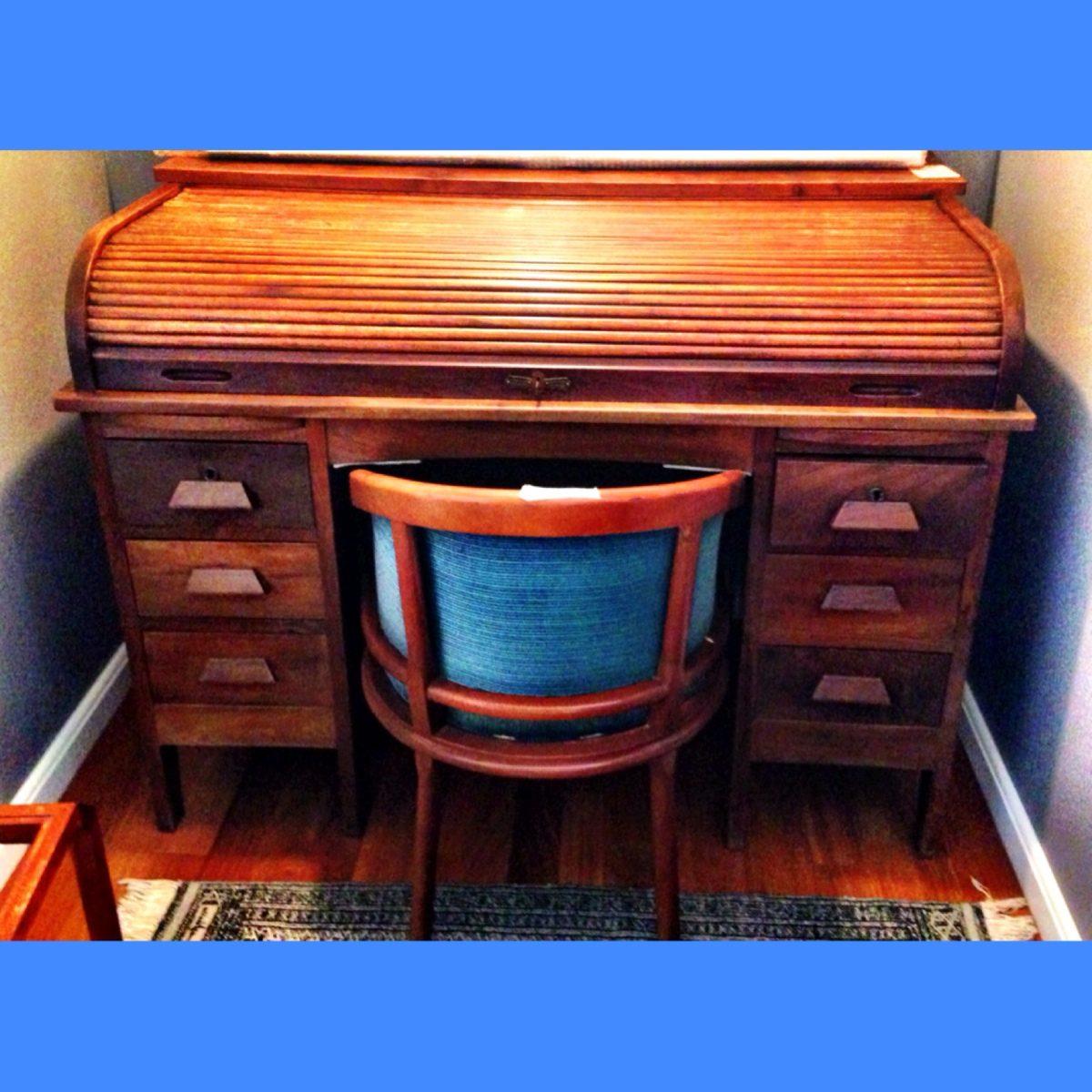 Escrivaninha Papeleira Antiga Reformada1920 Madeira Maçica R$ 3.000  #024FC9 1200x1200